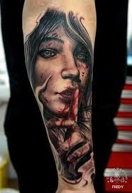 Tatouage Macabre femme : 20+ idées de tatouages et sa signification 14