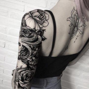 Tatouage bras femme : 50+ idées de tatouages et leur signification 337