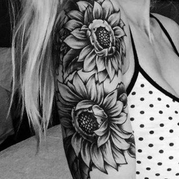Tatouage bras femme : 50+ idées de tatouages et leur signification 340