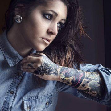 Tatouage bras femme : 50+ idées de tatouages et leur signification 263