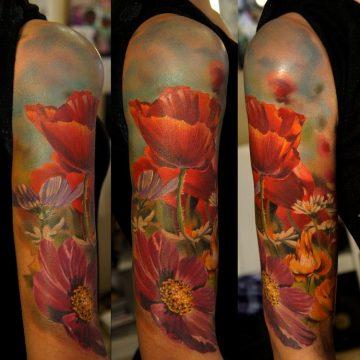 Tatouage bras femme : 50+ idées de tatouages et leur signification 271