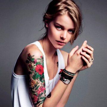Tatouage bras femme : 50+ idées de tatouages et leur signification 371