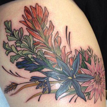 Tatouage cuisse femme : 30+ idées de tatouages et leurs significations 190