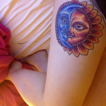 Tatouage cuisse femme : 30+ idées de tatouages et leurs significations 191
