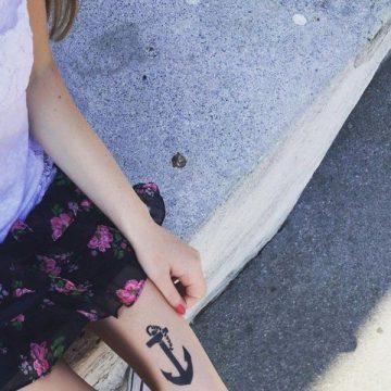 Tatouage cuisse femme : 30+ idées de tatouages et leurs significations 212