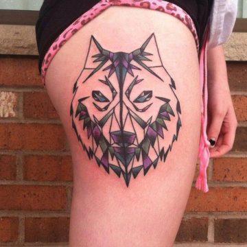Tatouage cuisse femme : 30+ idées de tatouages et leurs significations 218