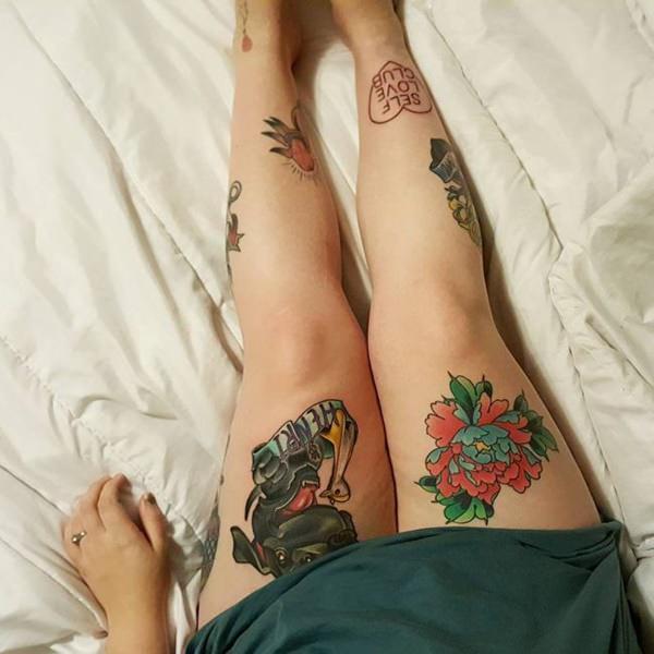 Tatouage cuisse femme : 30+ idées de tatouages et leurs significations 31