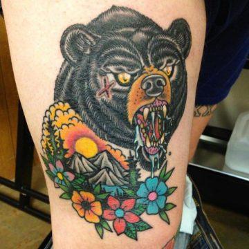 Tatouage cuisse femme : 30+ idées de tatouages et leurs significations 36