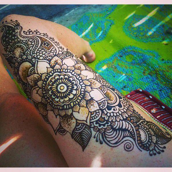 Tatouage cuisse femme : 30+ idées de tatouages et leurs significations 49