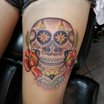 Tatouage cuisse femme : 30+ idées de tatouages et leurs significations 240