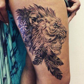 Tatouage cuisse femme : 30+ idées de tatouages et leurs significations 61