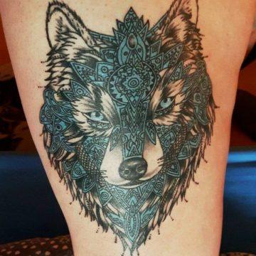 Tatouage cuisse femme : 30+ idées de tatouages et leurs significations 265