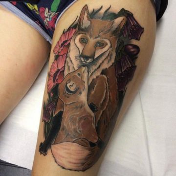 Tatouage cuisse femme : 30+ idées de tatouages et leurs significations 83