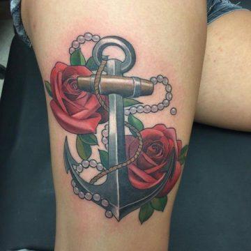 Tatouage cuisse femme : 30+ idées de tatouages et leurs significations 86