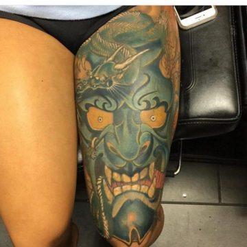 Tatouage cuisse femme : 30+ idées de tatouages et leurs significations 97