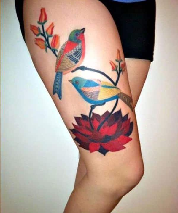 Tatouage cuisse femme : 30+ idées de tatouages et leurs significations 99