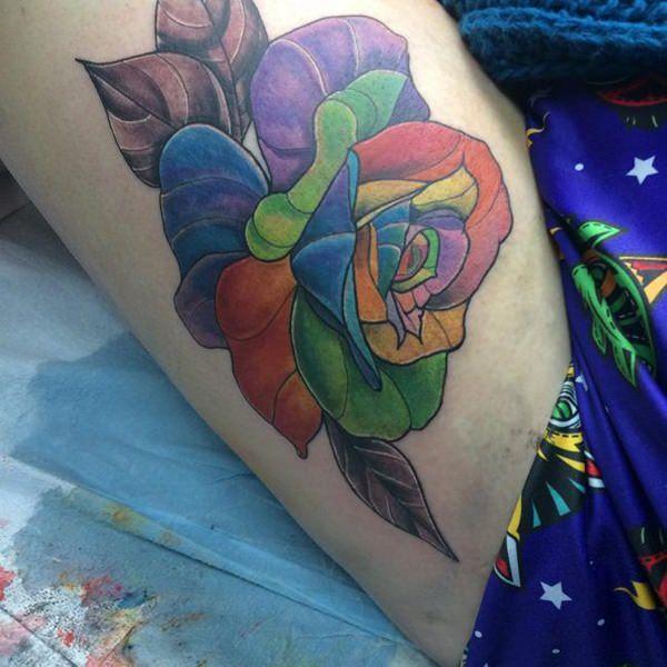 Tatouage cuisse femme : 30+ idées de tatouages et leurs significations 103