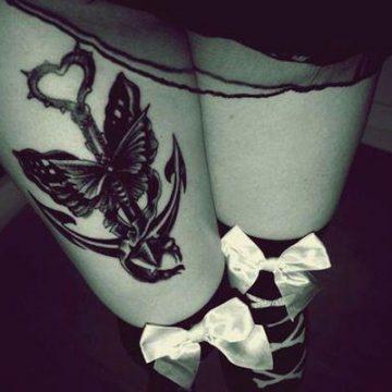 Tatouage cuisse femme : 30+ idées de tatouages et leurs significations 113