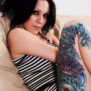 Tatouage cuisse femme : 30+ idées de tatouages et leurs significations 325