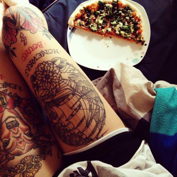 Tatouage cuisse femme : 30+ idées de tatouages et leurs significations 145