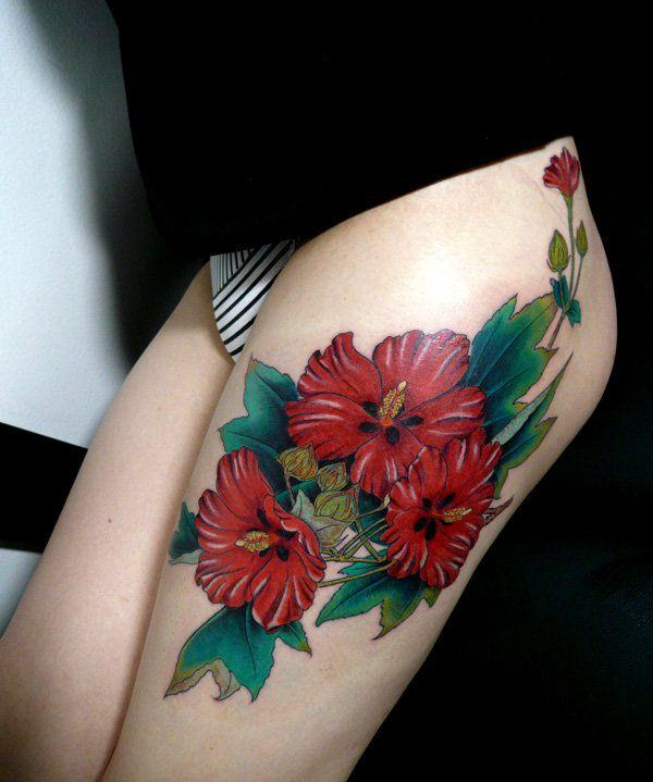 Tatouage cuisse femme : 30+ idées de tatouages et leurs significations 162