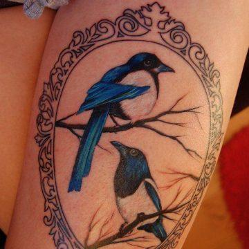 Tatouage cuisse femme : 30+ idées de tatouages et leurs significations 166
