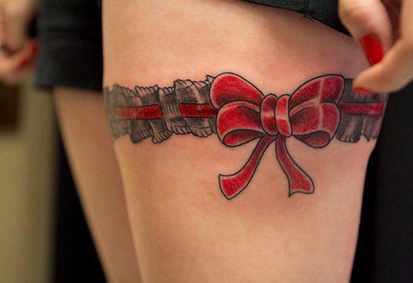 Tatouage cuisse femme : 30+ idées de tatouages et leurs significations 171