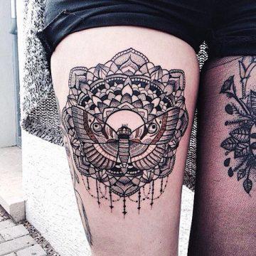Tatouage cuisse femme : 30+ idées de tatouages et leurs significations 176