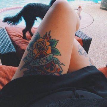 Tatouage cuisse femme : 30+ idées de tatouages et leurs significations 378