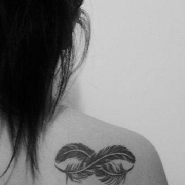 Tatouage épaule femme : 25+ idées de tatouages et leurs significations 72