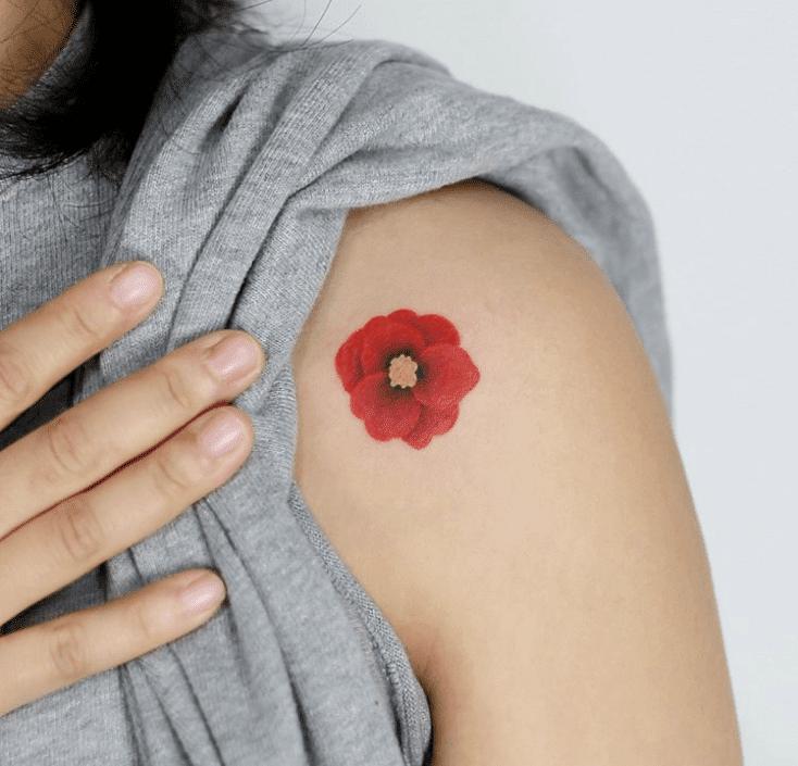 Tatouage épaule femme : 25+ idées de tatouages et leurs significations 49