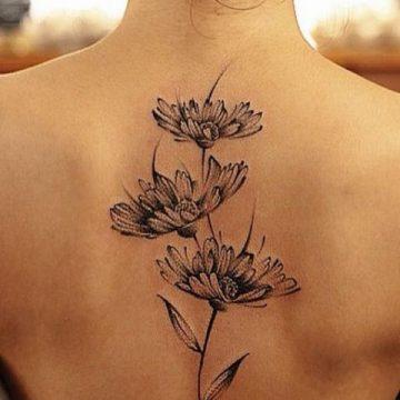 Tatouage dos femme : 50+ idées de tatouages et leurs significations 123