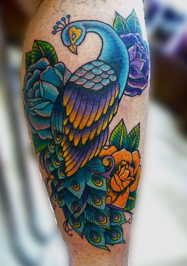 Tatouage épaule femme : 25+ idées de tatouages et leurs significations 24