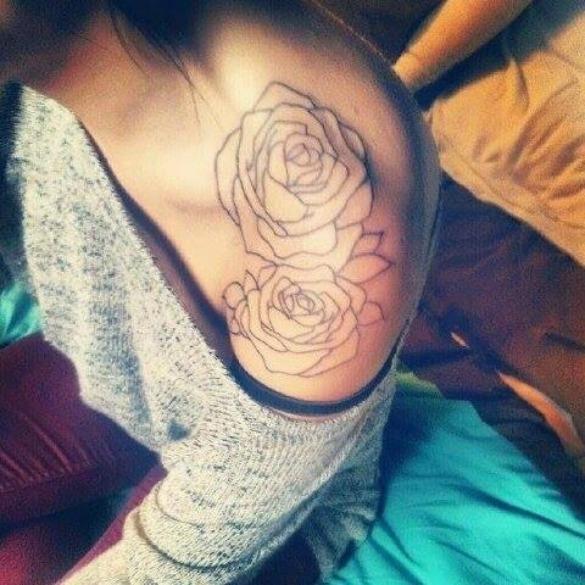 Tatouage épaule femme : 25+ idées de tatouages et leurs significations 33