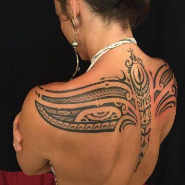Tatouage Tribal femme : 50+ idées de tatouages et sa signification 3