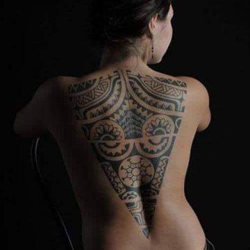 Tatouage Tribal femme : 50+ idées de tatouages et sa signification 15
