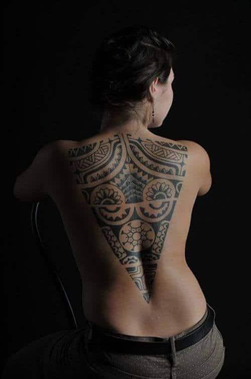 Tatouage Tribal femme : 50+ idées de tatouages et sa signification 12