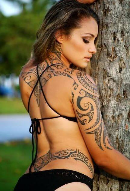 Tatouage Tribal femme : 50+ idées de tatouages et sa signification 18
