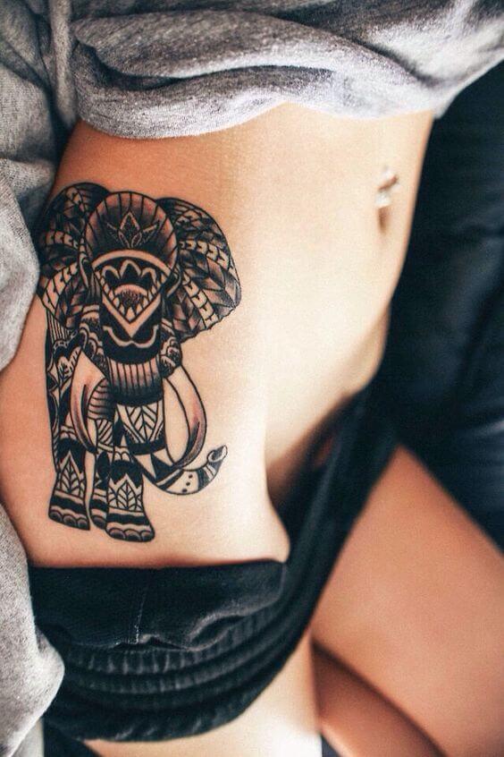 Tatouage Tribal femme : 50+ idées de tatouages et sa signification 27