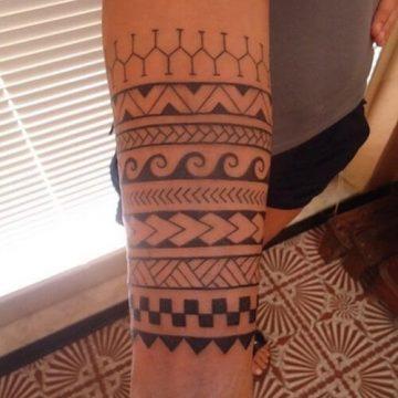 Tatouage Tribal femme : 50+ idées de tatouages et sa signification 34