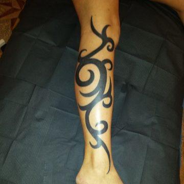 Tatouage Tribal femme : 50+ idées de tatouages et sa signification 81