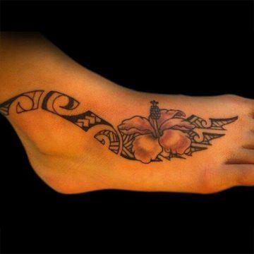 Tatouage Tribal femme : 50+ idées de tatouages et sa signification 40