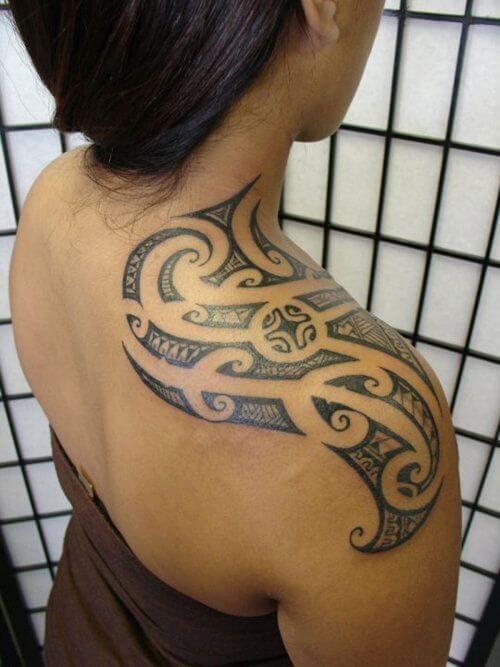 Tatouage Tribal femme : 50+ idées de tatouages et sa signification 35