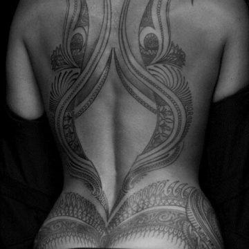 Tatouage Tribal femme : 50+ idées de tatouages et sa signification 54