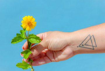 Comment protéger son tatouage du soleil ? nos 9 conseils