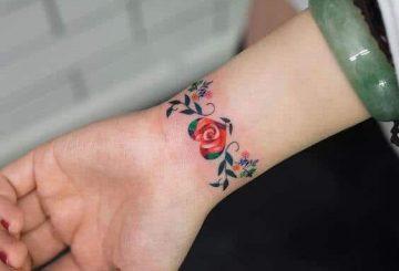 Tatouage flash femme : 25+ idées de tatouages et leurs significations 98