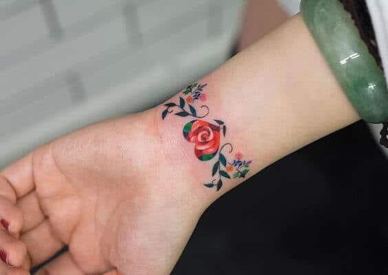 Tatouage flash femme : 25+ idées de tatouages et leurs significations 1
