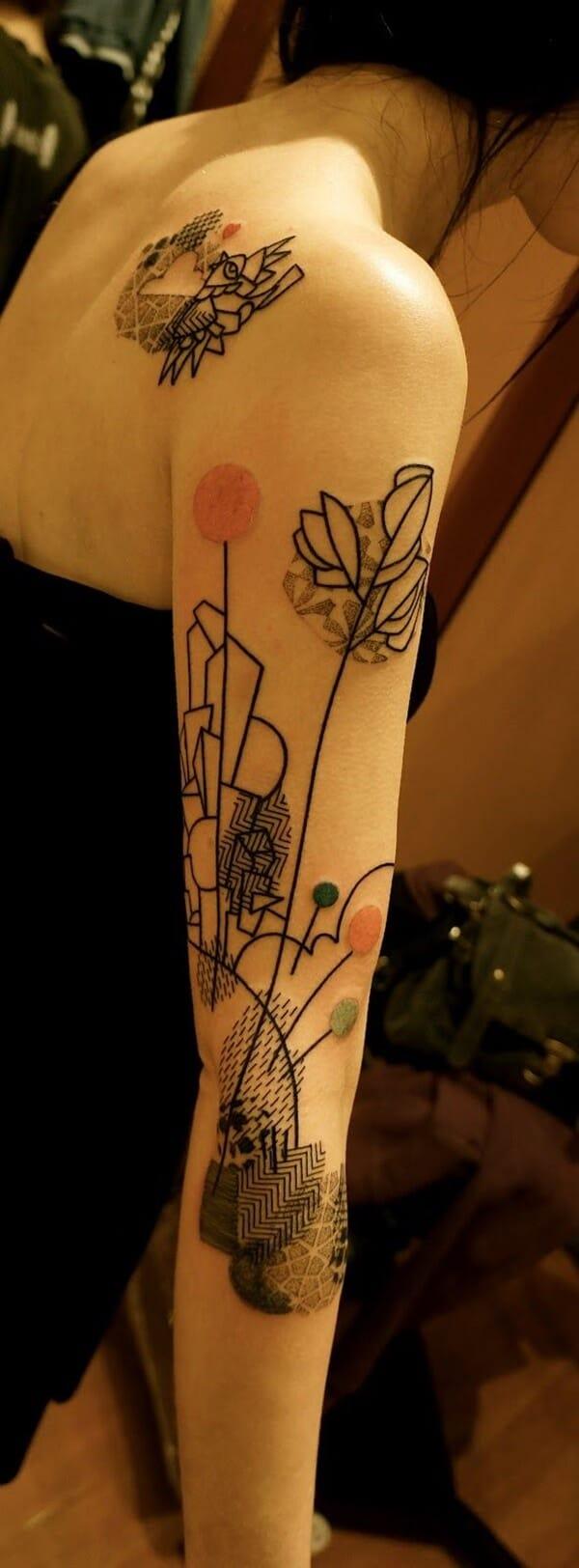 Tatouage abstrait femme : 25+ idées de tatouages et sa signification 7