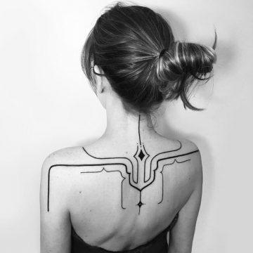 Tatouage abstrait femme : 25+ idées de tatouages et sa signification 128