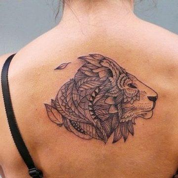 Tatouage lion femme : 30+ idées de tatouages et sa signification 34